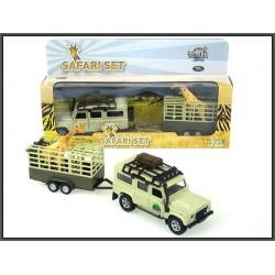 Land Rover z przyczepą